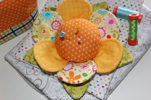 FlowerPinCushion3